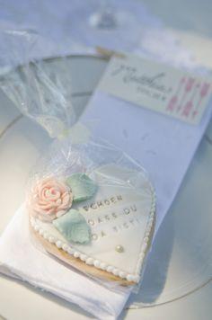 cookie wedding favors http://www.weddingchicks.com/2013/10/24/pastel-wedding-inspiration/