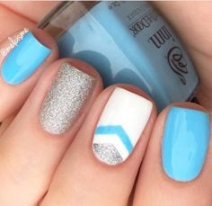 Fresh, ready for Spring manicure by using our Single Chevron Nail Art Vinyls found at snai Chevron Manicure, Chevron Nail Designs, Chevron Nail Art, Nautical Nails, Nail Art Designs, Ruby Nails, Toe Nails, Aztec Nails, Nagel Gel