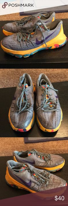 Nike boys KD basketball 🏀 shoes Youth 4 gently used  basketball sneakers Nike Shoes Sneakers