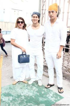 Foods For Bloating, Tiger Shroff, White Jeans, Pants, Outdoor, Fashion, Trouser Pants, Outdoors, Moda