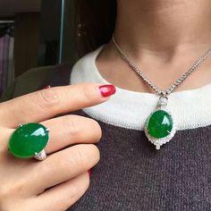 #RepostSave @margueritecaicai with @repostsaveapp · · · #jadeite #jade #gem #jewelry #jewellry Jade Jewelry, Gems Jewelry, Jewelry Art, Jewelry Design, Jade Pendant, Pendant Necklace, Color Ring, Emerald Stone, Surprise Gifts