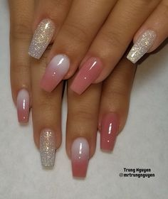 There are three kinds of fake nails which all come from the family of plastics. Acrylic nails are a liquid and powder mix. They are mixed in front of you and then they are brushed onto your nails and shaped. These nails are air dried. Fabulous Nails, Gorgeous Nails, Pretty Nails, Cute Nail Designs, Acrylic Nail Designs, Acrylic Nails, Coffin Nails, Acrylics, Nail Swag