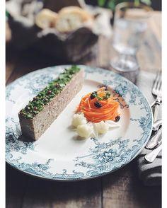 rick chanさんのP t de Campagne #snapdish #foodstagram #instafood #food #homemade #cooking #japanesefood #料理 #手料理 #ごはん #おうちごはん #テーブルコーディネート #器 #お洒落 #ていねいな暮らし #暮らし #patdecampagne #パテ #パテドカンパーニュ #キャロットラペ #ワイン #wine #クリスマス #パーティー https://snapdish.co/d/9KWr5a