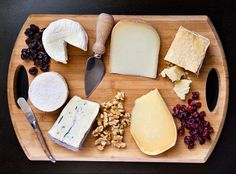 How to Upgrade Your Holiday Cheese Tray - Bon Appétit Brunch Recipes, Wine Recipes, Appetizer Recipes, Appetizers, Cooking Recipes, Breakfast Recipes, Comida Picnic, Cheese Party, Cheese Club