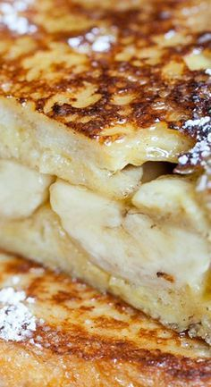 Eden Passante creates the perfect breakfast sandwich by combining the delicious flavors of both French Toast and bananas! Banana Breakfast, Eat Breakfast, Breakfast Ideas, Brunch Ideas, Best Breakfast Recipes, Brunch Recipes, Overnight Oats, Banana Recipes, Egg Recipes