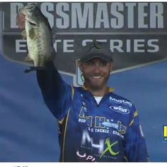 Brandon's currently in 8th place! #bassmaster #Sabineriver #fishing #winngrips