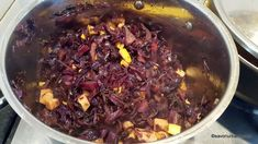 Varza rosie calita simpla sau cu mere | Savori Urbane Chili, Soup, Beef, Meat, Chili Powder, Chilis, Soups, Ox, Chile