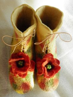 felted poppie booties. Dorothy would have been styling in OZ with these.  Crafts 2 love shop on easy