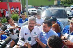 Norman Quijano y René Portillo Cuadra dando declaraciones a los medios en Santa Tecla.