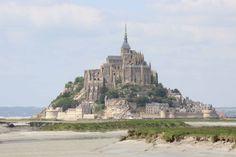 NKC camperreis Frankrijk: langs mooie kusten. De 23-daagse camperreis door Normandië en Bretagne leidt langs de stranden van D-Day, lieflijk boerenland en granieten dorpjes. Ontdek het zelf met de camper!