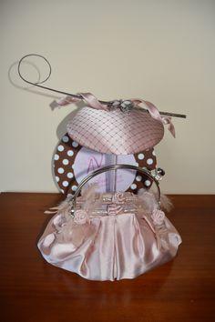 Tocados Ana Vez Atelier de Tocados, Sombreros y Complementos Artesanales te ofrece una amplia variedad de piezas diseñadas y creadas exclusivamente para ti. Pide presupuesto en el tlf. 698182256
