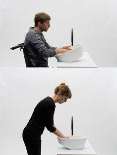 En voilà un système ingénieux! Le lavabo a été étudié pour s'adapter aux différents tailles. Il reste à voir son poids et le côté maniable de l'objet, mais il y a de l'idée et c'est beau!!!