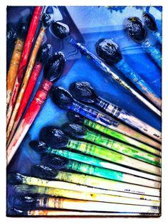 Nos pinceaux du Jeu de Peindre, font une pause pour les vacances et prennent un bain pour récupérer la Forme;-) Ils ont bien bossé en espagnol à #Paris
