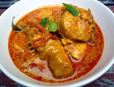 Oh there is nothing like a good chicken curry! I am of course talking about a good Malaysian chicken curry! I still remember very vividly. Malaysian Chicken Curry, Malaysian Curry, Malaysian Cuisine, Malaysian Food, Malaysian Recipes, Malaysian Dessert, Korean Food Recipes, Curry Recipes, Cooking Recipes