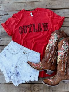 Outlaw Tee by bling-a-go-go Cowgirl Style Outfits, Country Style Outfits, Southern Outfits, Rodeo Outfits, Country Dresses, Western Outfits, Chic Outfits, Summer Outfits, Concert Outfits