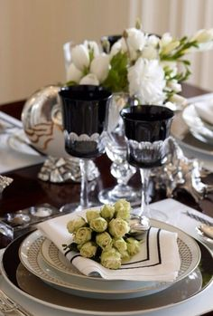 Tablescape ~ black and white