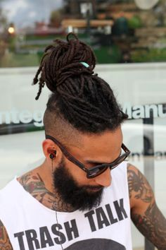 35 Best Dreadlock Styles For Men + Cool Dreads Hairstyles Guide) Mens Dreadlock Styles, Dreadlock Hairstyles For Men, Dreads Styles, Dreadlock Mohawk, Black Men Haircuts, Black Men Hairstyles, Long Haircuts, Hair And Beard Styles, Curly Hair Styles