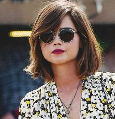 Wanna see the latest Choppy Layered Bob Hairstyles that would look great on every hair type and face shape? Here are the most popular bob hairstyles with. Cool Short Hairstyles, Bob Hairstyles, Short Haircuts, Selena Gomez, Medium Hair Styles, Curly Hair Styles, Round Face Haircuts, Short Hair Cuts For Round Faces, Short Cuts
