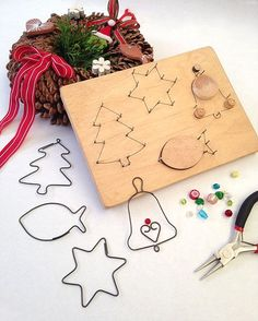 Fabulous Christmas Toys For Your Child Christmas Toys, Christmas Decorations, Christmas Ornaments, Crafts To Make, Crafts For Kids, Arts And Crafts, Wire Jig, Wire Ornaments, Diy Y Manualidades