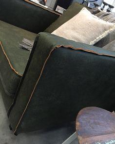 De rodeobank is er nu ook in het armygreen! #nasmaak #rodeo #bepurehome #fauteuil