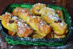 Rasucite cu mere si stafide - CAIETUL CU RETETE Chicken Wings, Meat, Food, Essen, Meals, Yemek, Eten, Buffalo Wings