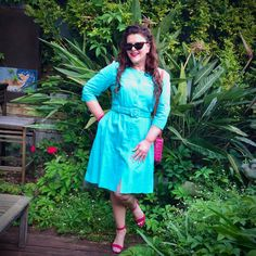 A Pretty Turquoise Dress… 🦋🙌😻 – Donna Does Dresses Fashion Wear, Retro Fashion, Spring Fashion, Mustard Pants, Simple Dresses, Summer Dresses, Turquoise Dress, Long Curly Hair, Pin Up Style