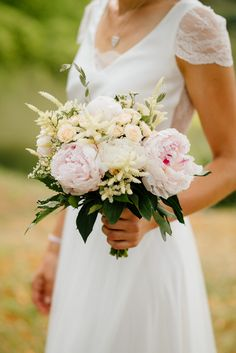 Stunning bouquet! Soft, delicate, absolutely gorgeous.