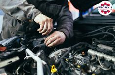 auto repair Want to know some basic auto mechanic skills If you want to start saving money and take care of your car yourself, then you need to know these things! Brake Service, Car Repair Service, Auto Service, Off The Grid, Automotive News, Automotive Industry, Automobile, Bmw Autos, Free Cars
