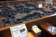 Gaming table - Look a that gorgeous dungeon. Lovely!!!