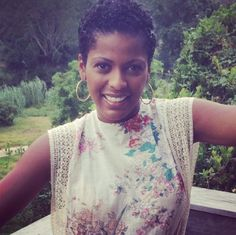 Tamron Hall - Cute top(dress?). Always love her style | rollingout.com Tamron Halls natural hair