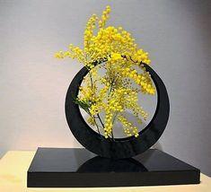 Nogeiri Ikebana arrangement Ikebana Flower Arrangement, Ikebana Arrangements, Floral Arrangements, Contemporary Flower Arrangements, Beautiful Flower Arrangements, Beautiful Flowers, Japanese Flowers, Japanese Art, Flower Show