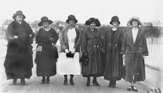 Women of the 1920s. Note the small sized handbags