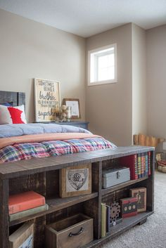 Design Reveal: Kelton\'s Great Outdoors Room | Pallet accent wall ...