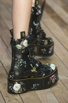 Fall winter shoes, open toe boots, new york fashion, fashion fashion Fashion Male, Fashion Guys, Fashion 2017, Fashion Shoes, Fashion Dresses, Indian Fashion, Fashion Fashion, Fashion Trends, New York Fashion