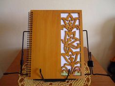 Bee Crafts, Diy Home Crafts, Wood Invitation, Laser Cutter Projects, Wooden Bag, Campaign Furniture, Wooden Books, 3d Laser, Paper Embroidery