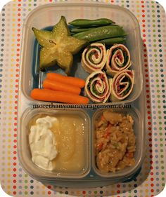 More than your average mom: LOOK! LUNCH! Easy Lunch Boxes, Box Lunches, School Lunches, School Days, Easy Lunches To Make, Bento Food, Bento Recipes, Lunchbox Ideas, Lunch To Go
