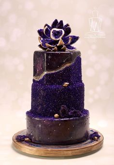 Top 9 Fall Wedding Color Schemes for 2019 - Deep Purple Glitter, DIY Wedding Cake . Top 9 fall wedding color schemes for 2019 – deep purple glitter, DIY wedding cakes, vintage weddi Diy Wedding Cake, Purple Wedding Cakes, Beautiful Wedding Cakes, Wedding Cake Designs, Beautiful Cakes, Amazing Cakes, Fall Wedding, Bolo Geode, Geode Cake