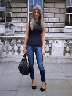 Sarah Harris is a Features writer of Vogue UK. Natural beauty with a personality to match, Always effortlessly chic.