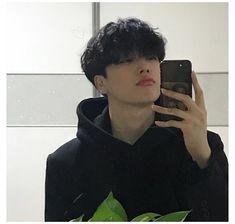 Korean Boys Hot, Korean Boys Ulzzang, Ulzzang Boy, Korean Men, Ulzzang Couple, Handsome Men Quotes, Handsome Arab Men, Handsome Boys, Cute Asian Guys