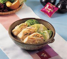 Baek-kimchi (White Cabbage Kimchi)