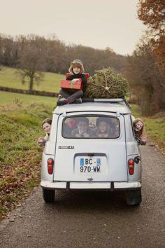 adorable christmas family photo shoot