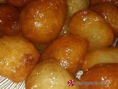 Λουκουμάδες κυπριακοί #sintagespareas Greek Sweets, Greek Desserts, Greek Recipes, Cyprus Food, Sweets Cake, Pretzel Bites, Food To Make, Deserts, Easy Meals