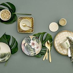 Meet the new and dazzling tableware series: ARUBA! An absolute season must-have with warm and exotic illustrations supplemented perfectly by decadent golden details. See the entire ARUBA Tradeshow collection (link in bio) 🌿#bloomingville #happychanges #ss18 #aruba #gold #palms #cactus #seasonmusthaves #bloomingvillehappydays #sharetellchange