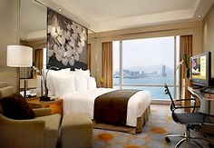 Hong Kong Renaissance Harbour View Hotel, Fantastic View from the Rooms,each with harbor View!