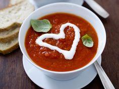 Tomatensuppe für Verliebte - smarter - Zeit: 30 Min.   eatsmarter.de Liebe geht ja bekanntlich durch den Magen.