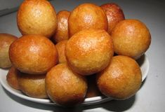 Nigerian puff puff with step by step recipe, how to make Nigerian puff puff, recipe for puff puff Nigeria, simple recipe for puff puff making Puff Balls Recipe, Puff Recipe, African Meat Pie Recipe, African Recipes, Kids Meals, Easy Meals, Nigeria Food, Baked Chicken Drumsticks, Monthly Meal Planning