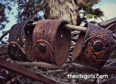 DIY Bracelet: Leather cuffs made from thrift store belts!