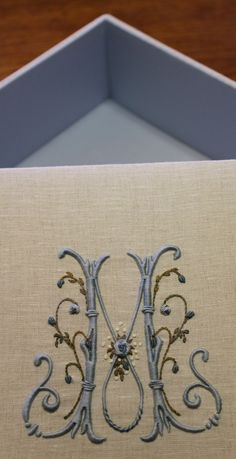Elizabeth Hand embroidery: Sewing boxes in Valdagno