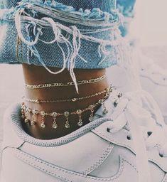 jewelry goals, anklet, layered jewelry, fine jewelry, gold c… – Jewerly World Cute Jewelry, Jewelry Accessories, Fashion Accessories, Fashion Jewelry, Jewlery, Gold Jewelry, Fashion Earrings, Jewelry Shop, Jewelry Ideas