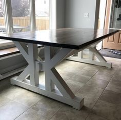This French Farmhouse Table can be made easily with these free farmhouse table plans. This easy step by step tutorial shows you how to create this French farmhouse dining table. Farmhouse Table Plans, Farmhouse Dining Room Table, Diy Dining Table, Easy Woodworking Ideas, Woodworking Furniture, Woodworking Plans, Wooden Kitchen, Diy Kitchen, Kitchen Storage
